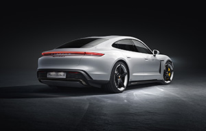 Hier is dan de Porsche Taycan Turbo en Turbo S!