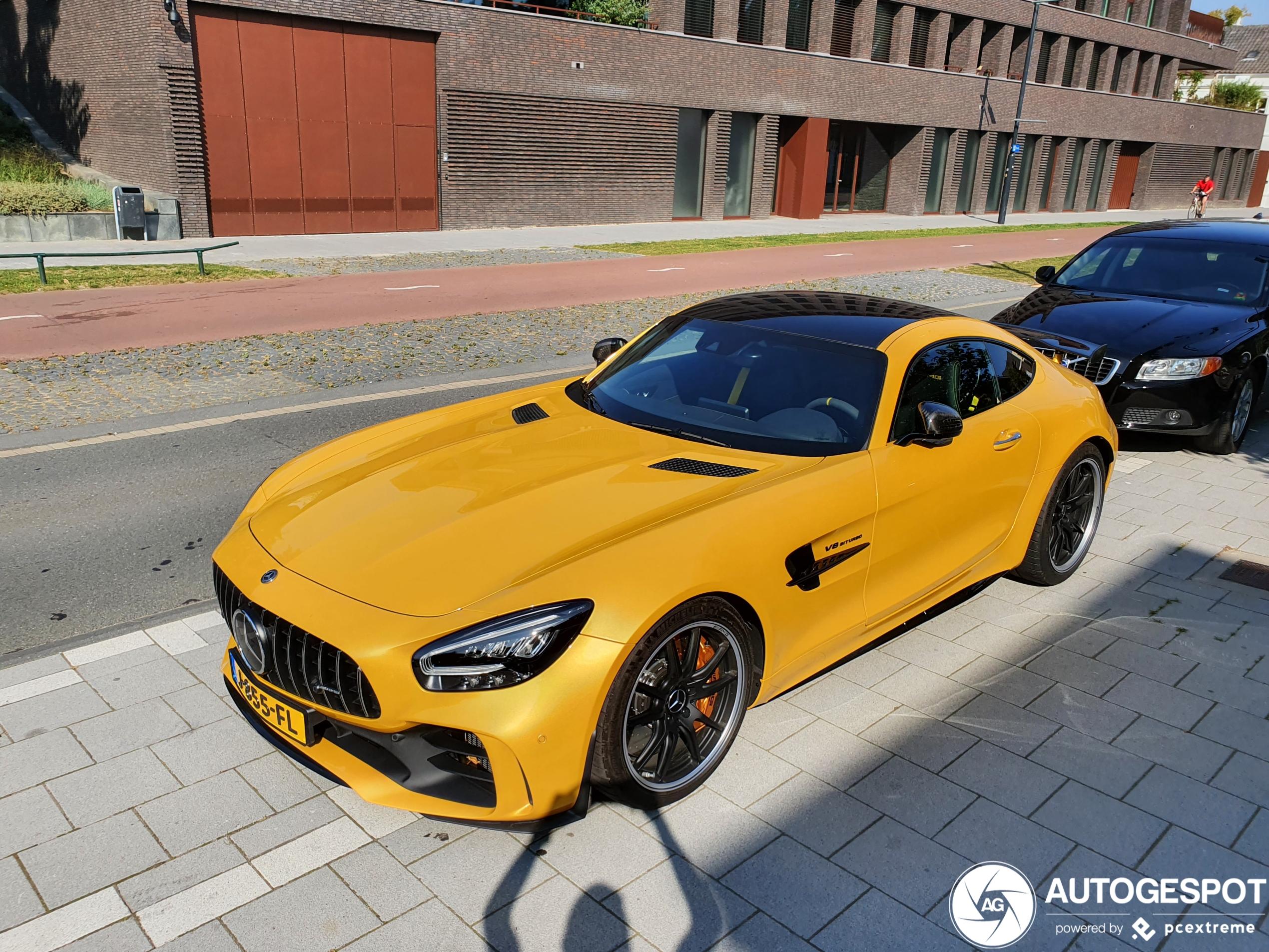 Deze Mercedes-AMG GT R ga je niet kunnen missen