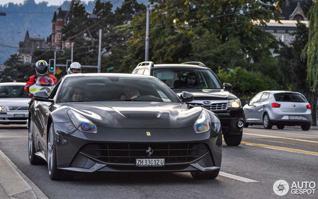 Daar zijn ze! De eerste Ferrari F12berlinetta's op Autogespot!