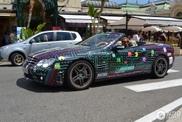 Ciomp ciomp! Mercedes sl 65 Amg  pellicolata  come un livello di Pacman!