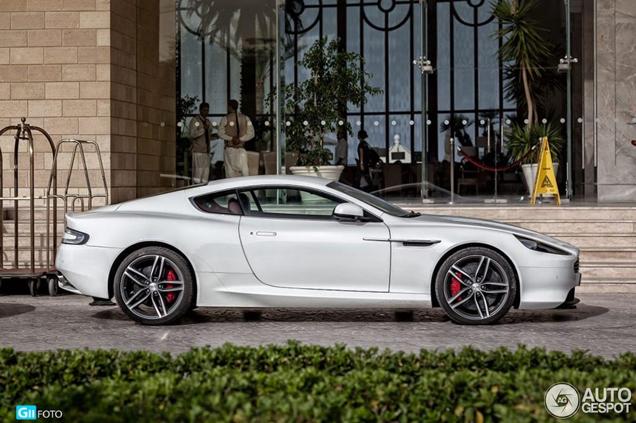 Aston Martin Virage gespot als witte parel