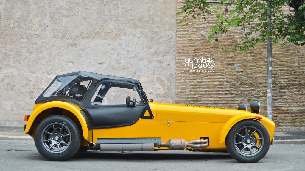 photoshoot caterham seven roadsport 125. Black Bedroom Furniture Sets. Home Design Ideas