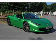 458 Spider Verde à procura de novo dono