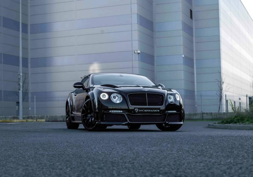 Onyx zweept Bentley Continental GT V8 op