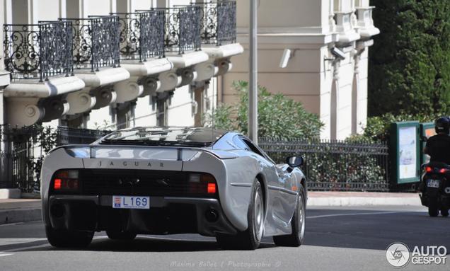 Zelfs voor Monaco is de Jaguar XJ220 een unieke spot