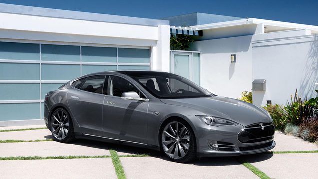 Tesla Motors Model S P85D is een moordenaar
