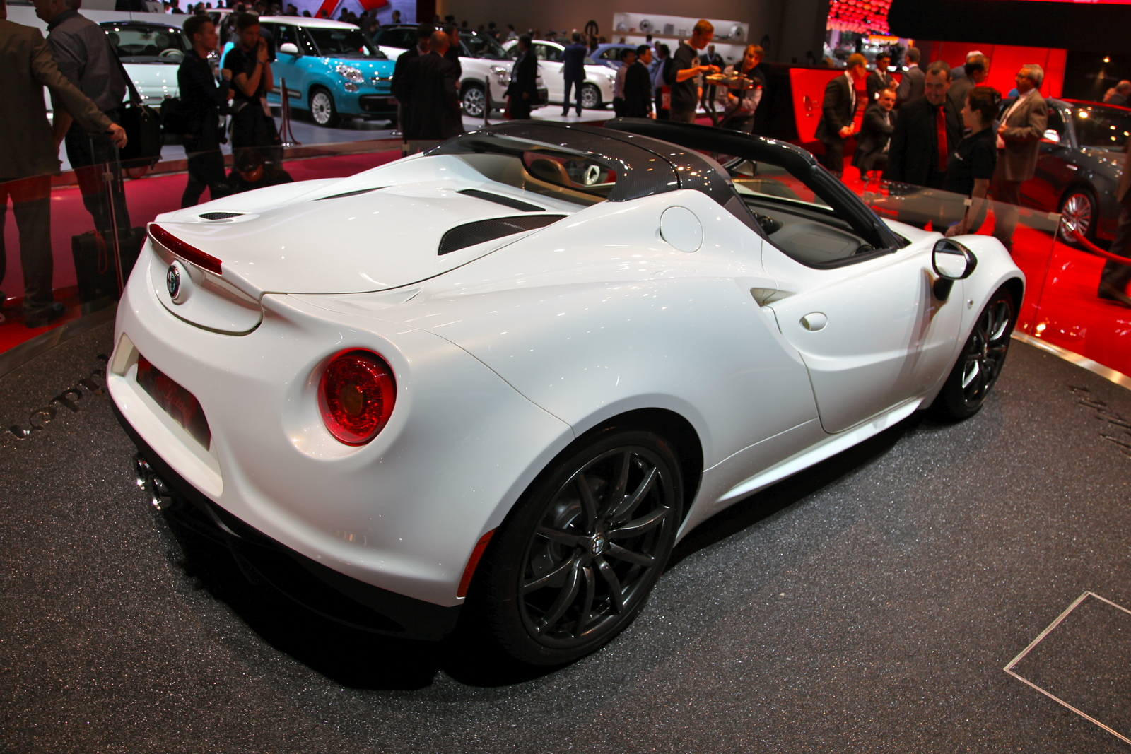 paris 2014 alfa romeo 4c spider. Black Bedroom Furniture Sets. Home Design Ideas