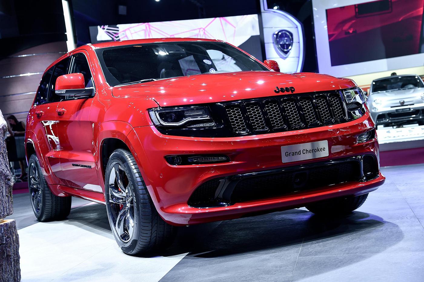 paris 2014 jeep grand cherokee srt 8 red vapor. Black Bedroom Furniture Sets. Home Design Ideas