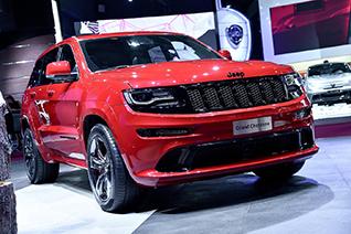 Paris 2014: Jeep Grand Cherokee SRT-8 Red Vapor