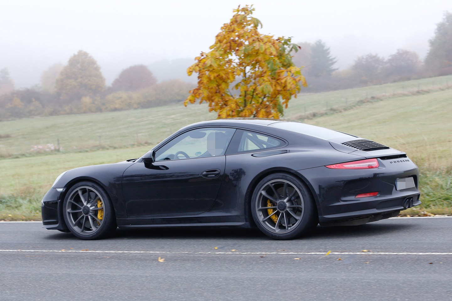 porsche 911 r spotted for the first time. Black Bedroom Furniture Sets. Home Design Ideas