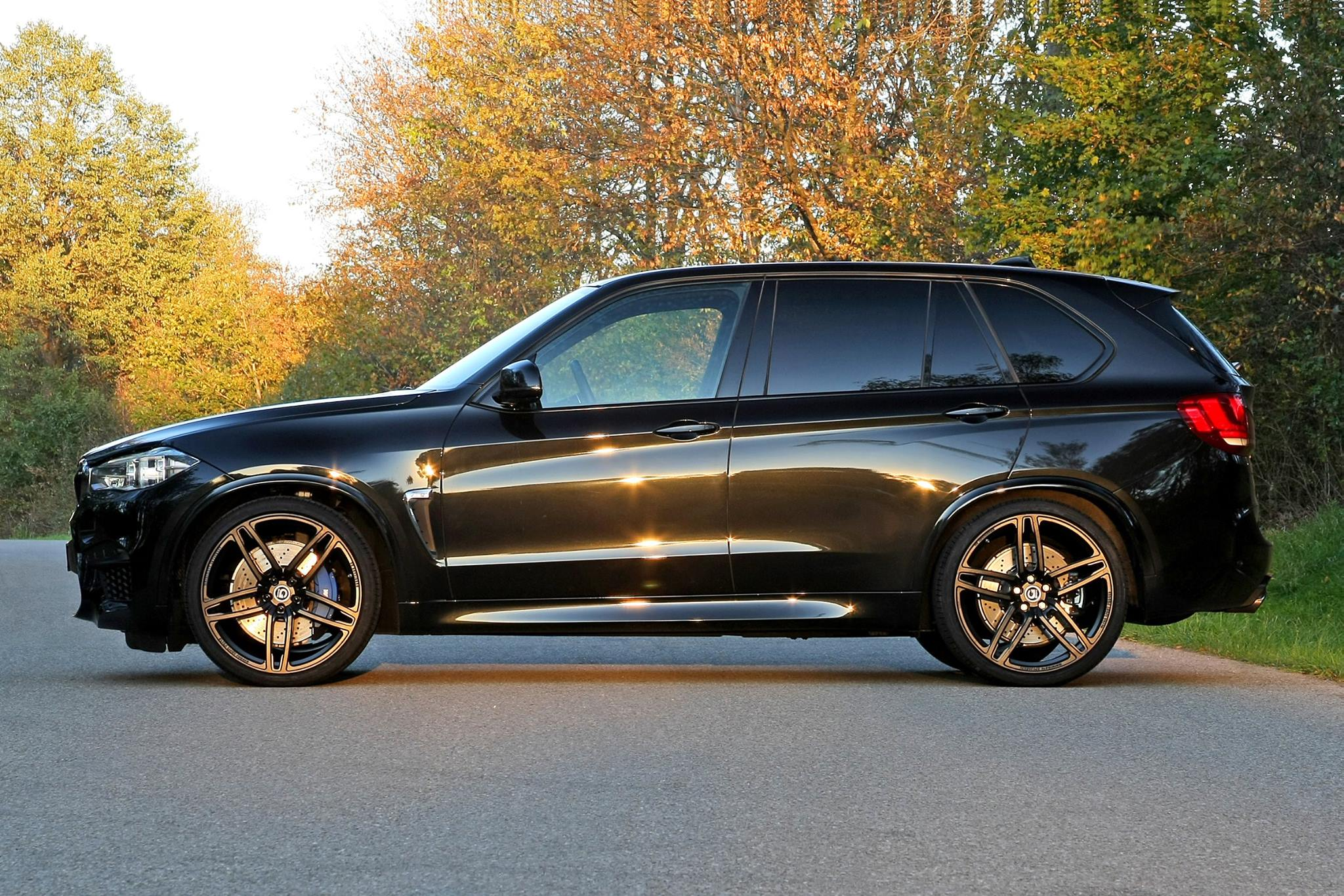 bmw x5 m by g power produces700 hp. Black Bedroom Furniture Sets. Home Design Ideas
