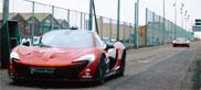 "Video: Tres híper coches luchan en una ""dragstrip"""