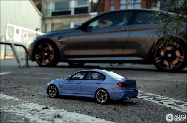 Deze BMW is 18 keer kleiner maar net zo leuk als het origineel!