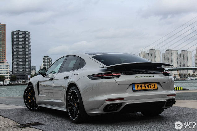 Spot van de dag: Porsche Panamera Turbo S E-Hybrid