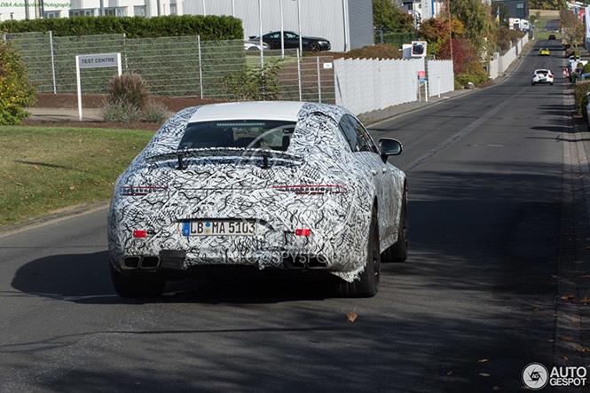 Mercedes-AMG houdt kaken stijf op elkaar over de GT4