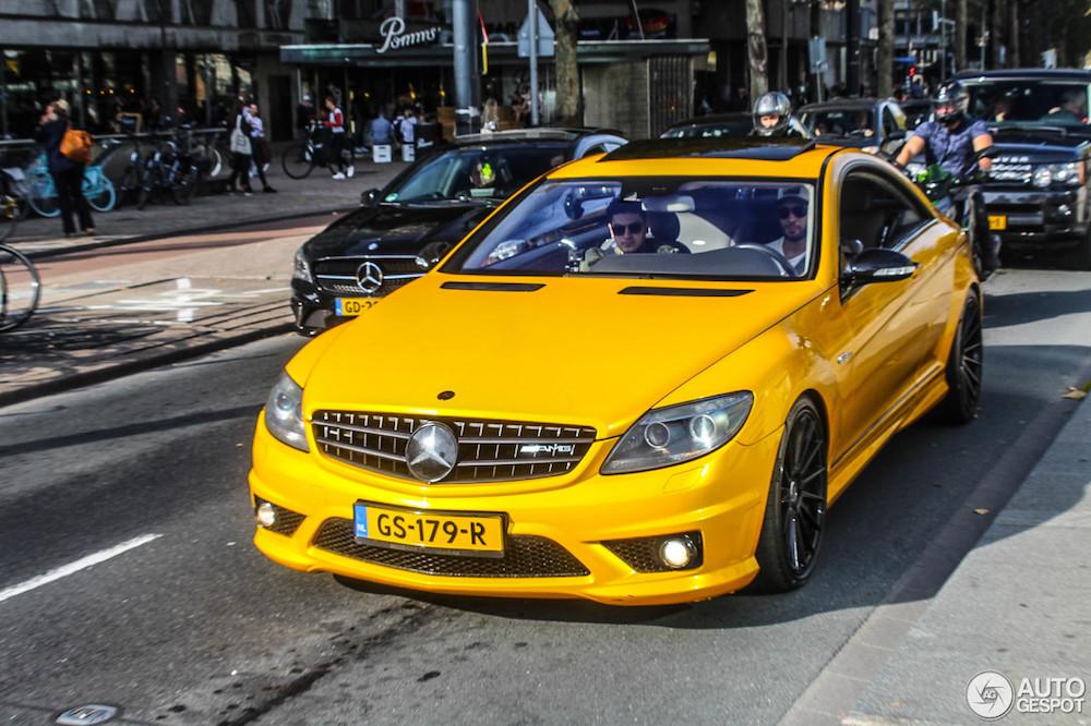 Deze Mercedes CL 63 AMG is behoorlijk geel
