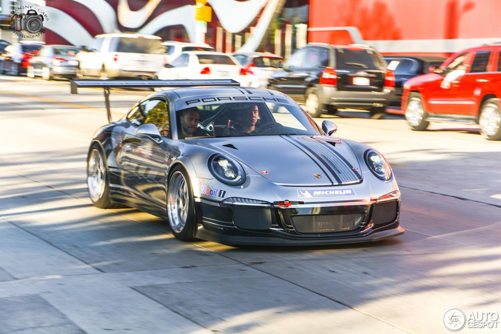 Gespot: Porsche GT3 Cup op kenteken