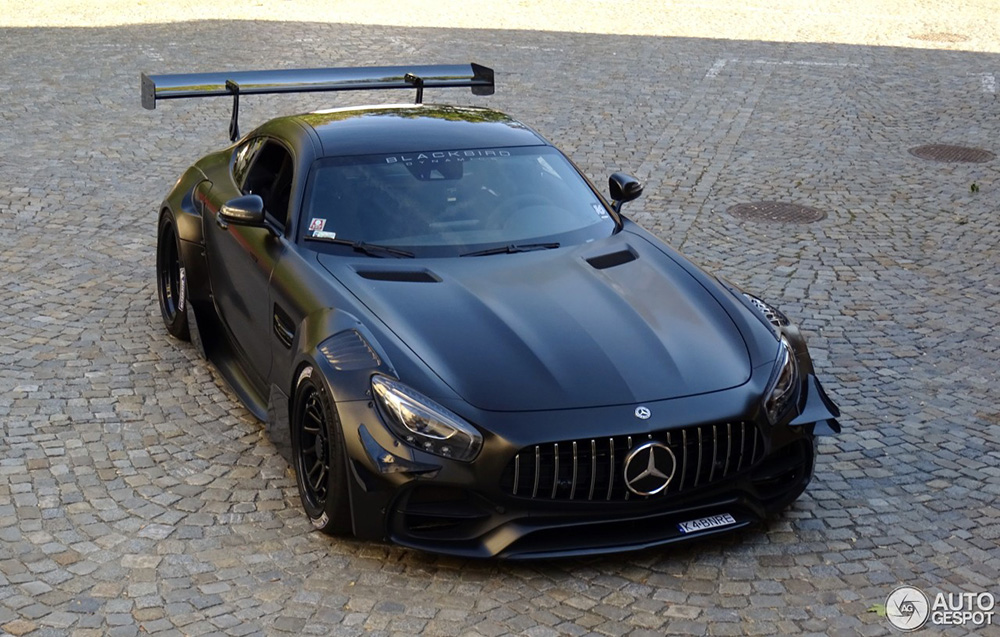Mercedes-AMG GT S can go straight to the racetrack