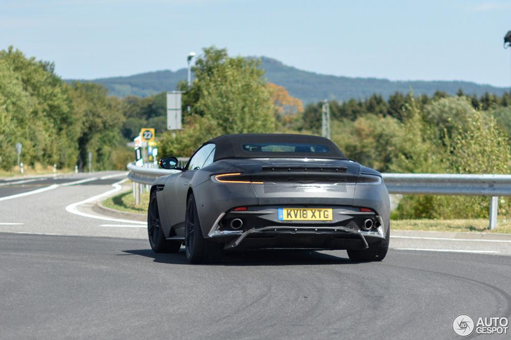 Aston Martin gaat voor de DBS Superleggera Volante