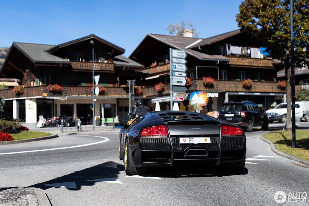 This Lamborghini is heaven for the purists among us!