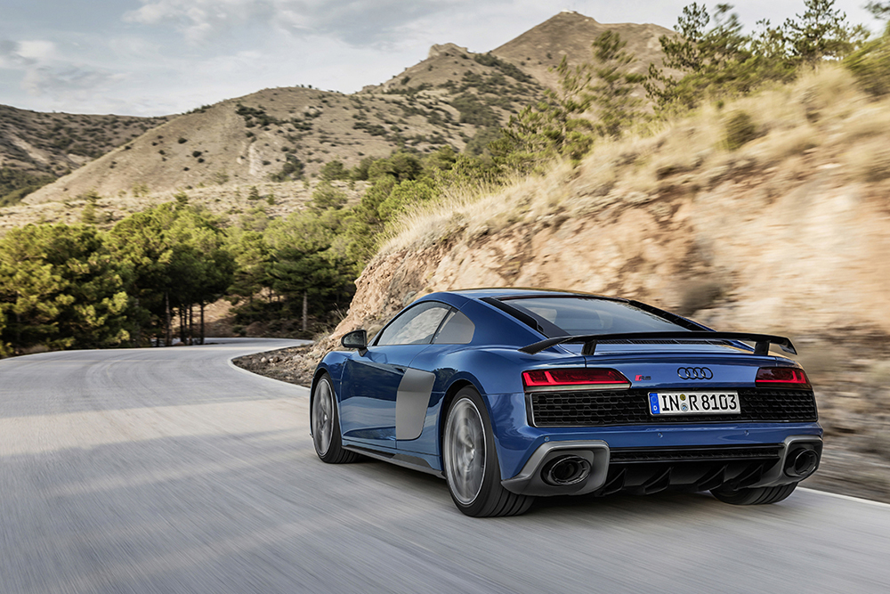 The new Audi R8 Coupé en Spyder - faster and hotter!