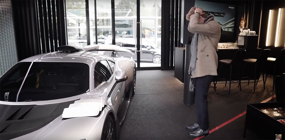 Filmpje: Nico Rosberg mag Mercedes-AMG One configureren