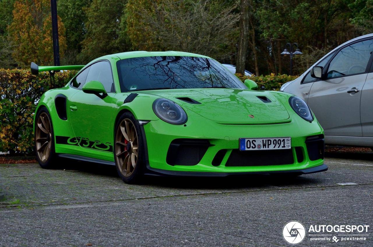 Op Circuit Assen gaan de nodige Porsches rijden
