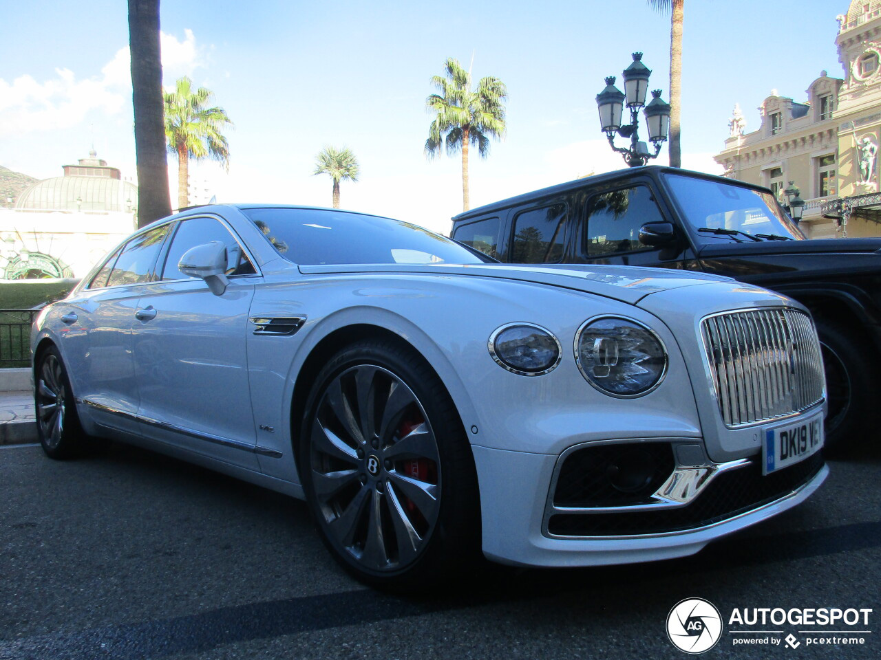 Bentley Flying Spur hoort gewoon bij Monaco