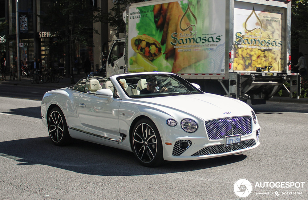 Primeur gespot: Bentley Continental GTC V8 in Toronto