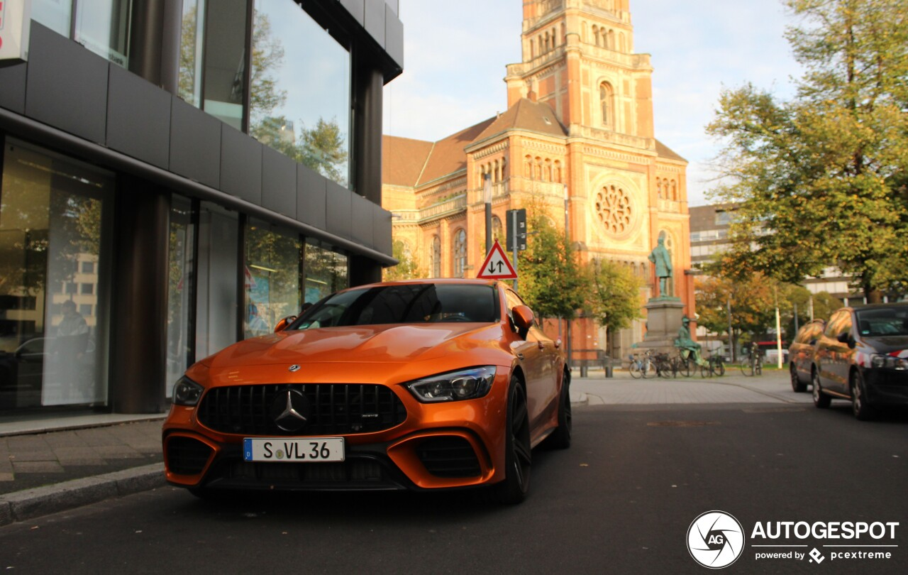 Verrassend felgekleurde Mercedes-AMG GT 63 pakt goed uit