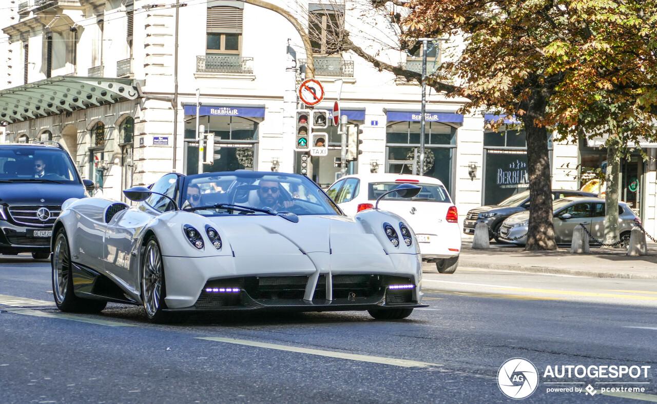 In Genève vind je nu deze Pagani Huayra Roadster
