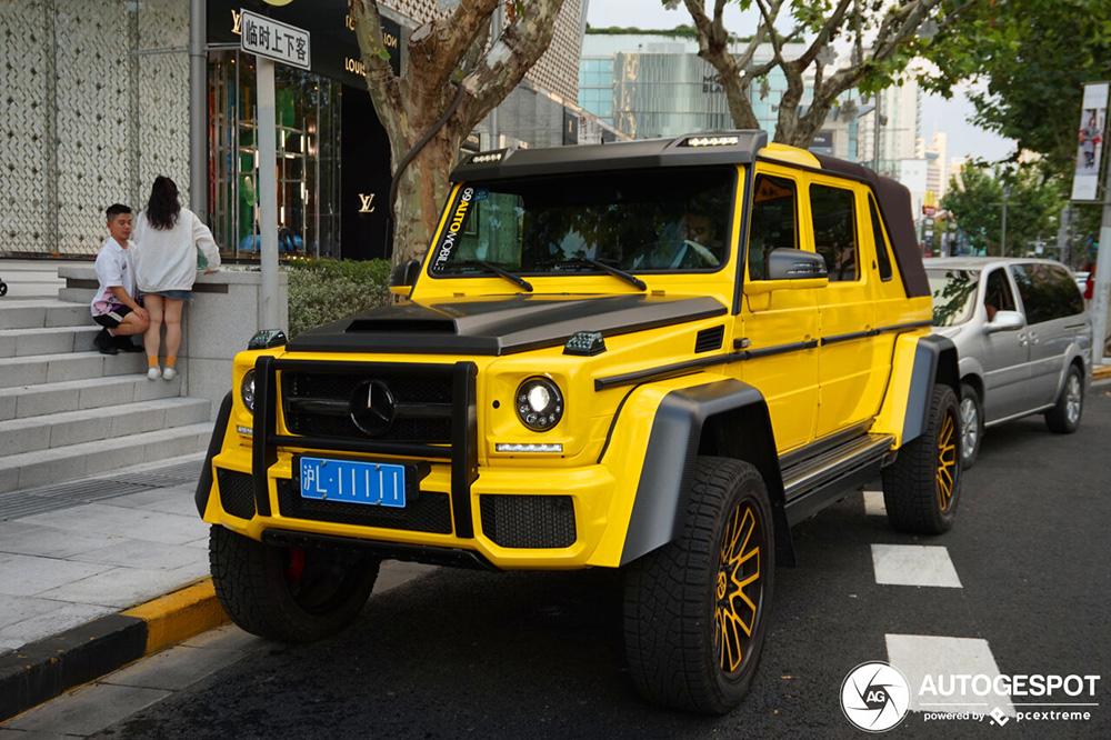 Wow, Mercedes-Maybach G 650 Landaulet is heel geel