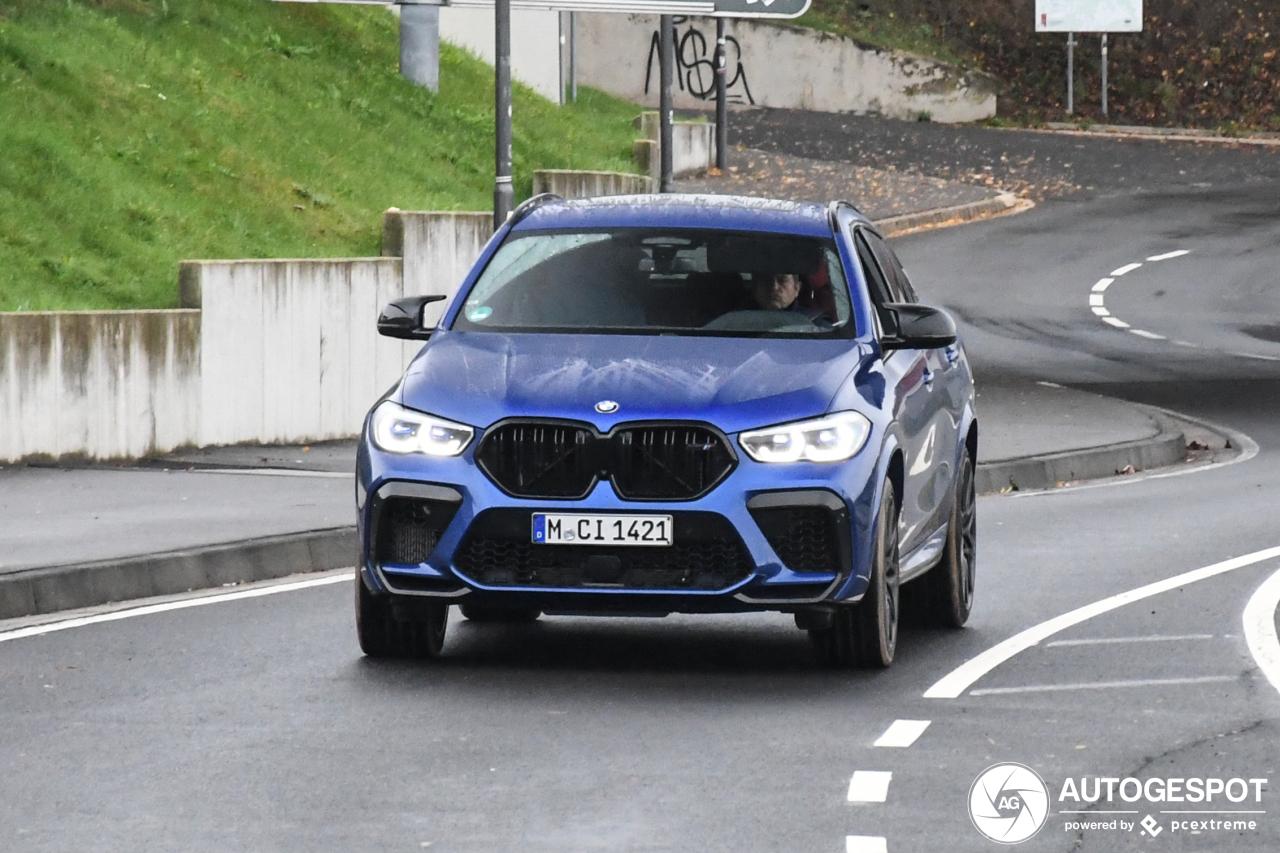 BMW X6 M Competition mag zonder jas buiten spelen