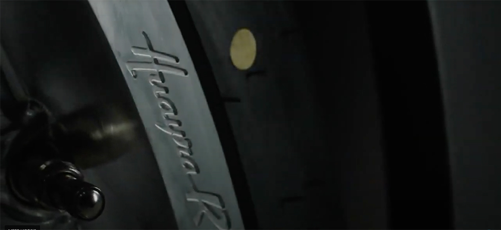 Ja ja ja! Pagani Huayra R op komst, met atmosferische motor!
