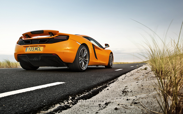 Wallpapers: McLaren 12C Coupé