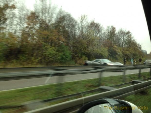 est ce que c 39 est le premier accident d 39 une porsche 918 spyder. Black Bedroom Furniture Sets. Home Design Ideas