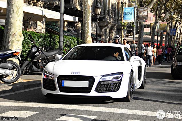 Fc Barcelona Speler Kiest Voor Een Audi R8 V10