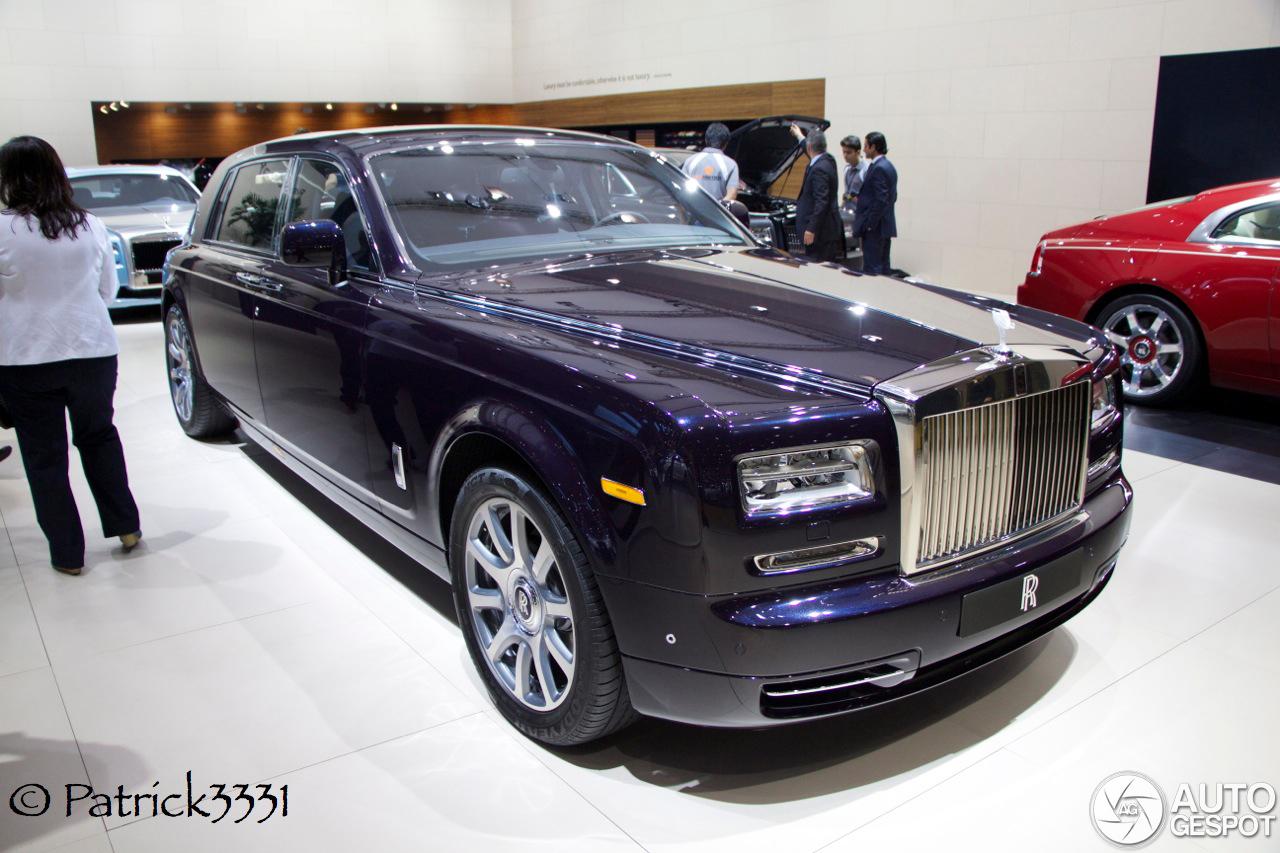 Dubai motor show rolls royce phantom ewb celestial for Rolls royce phantom motor