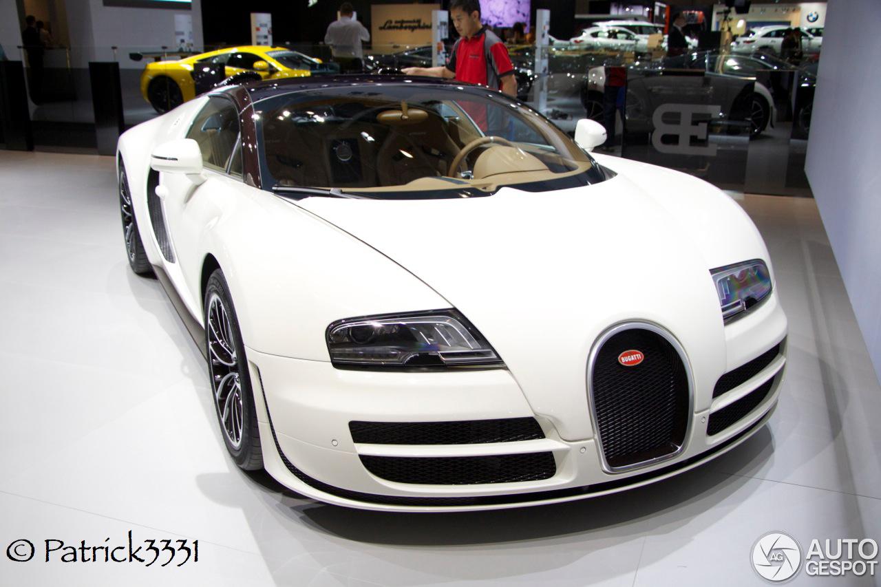 Bugattis For Sale >> Dubai Motor Show 2013: Two Bugatti's Veyron 16.4 Grand Sport Vitesse