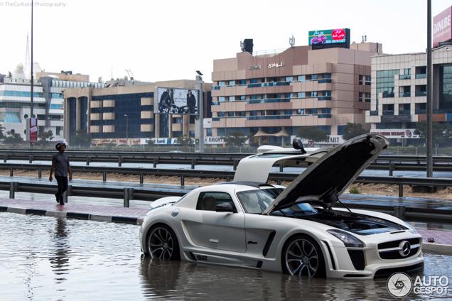 Mercedes-Benz FAB Design SLS AMG Gullstream krijgt zwemles