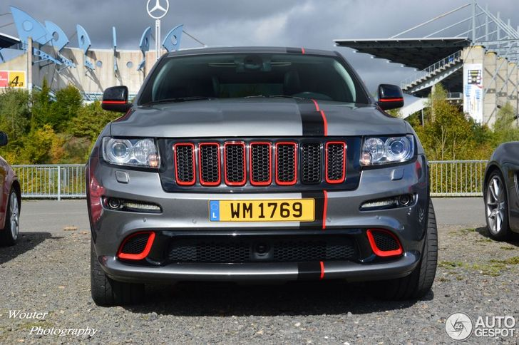 This Jeep Grand Cherokee has some sporty details