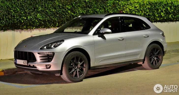 Eerste Porsche Macan Verschijnt Naakt Op Straat