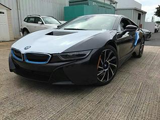 BMW i8 strijkt neer in Puerto Rico