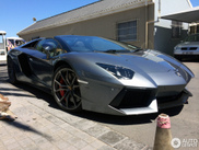 Lamborghini Aventador Roadster throws off the roof in Capetown