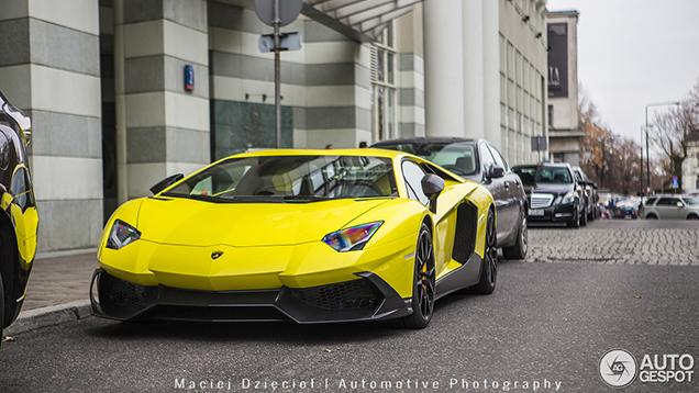 Knalgele Lamborghini Aventador LP720-4 50° Anniversario fleurt Warscha