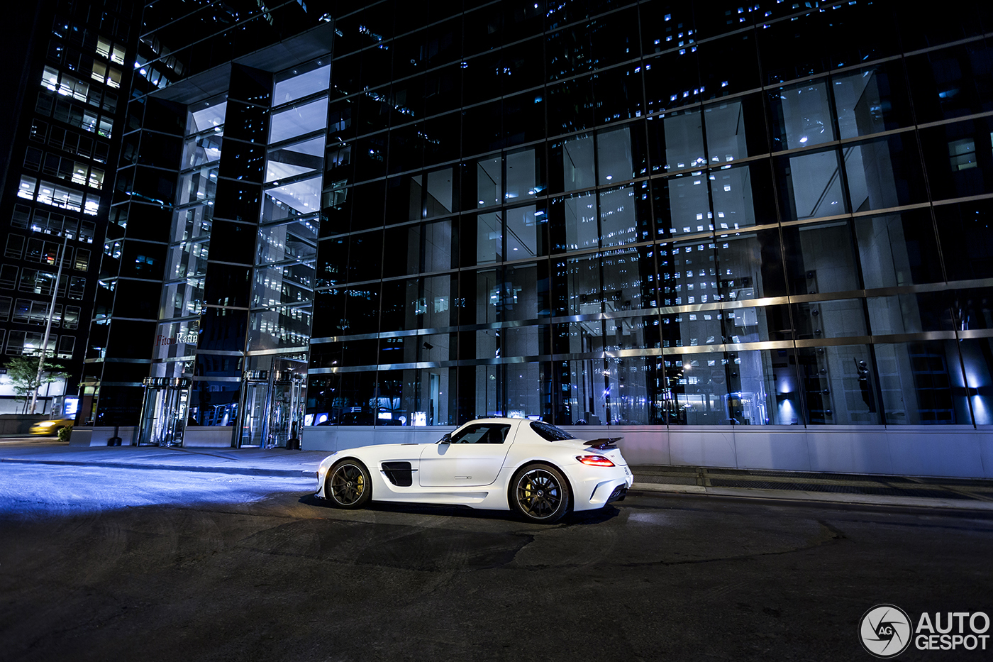 mercedes benz sls amg black series in new york city at night