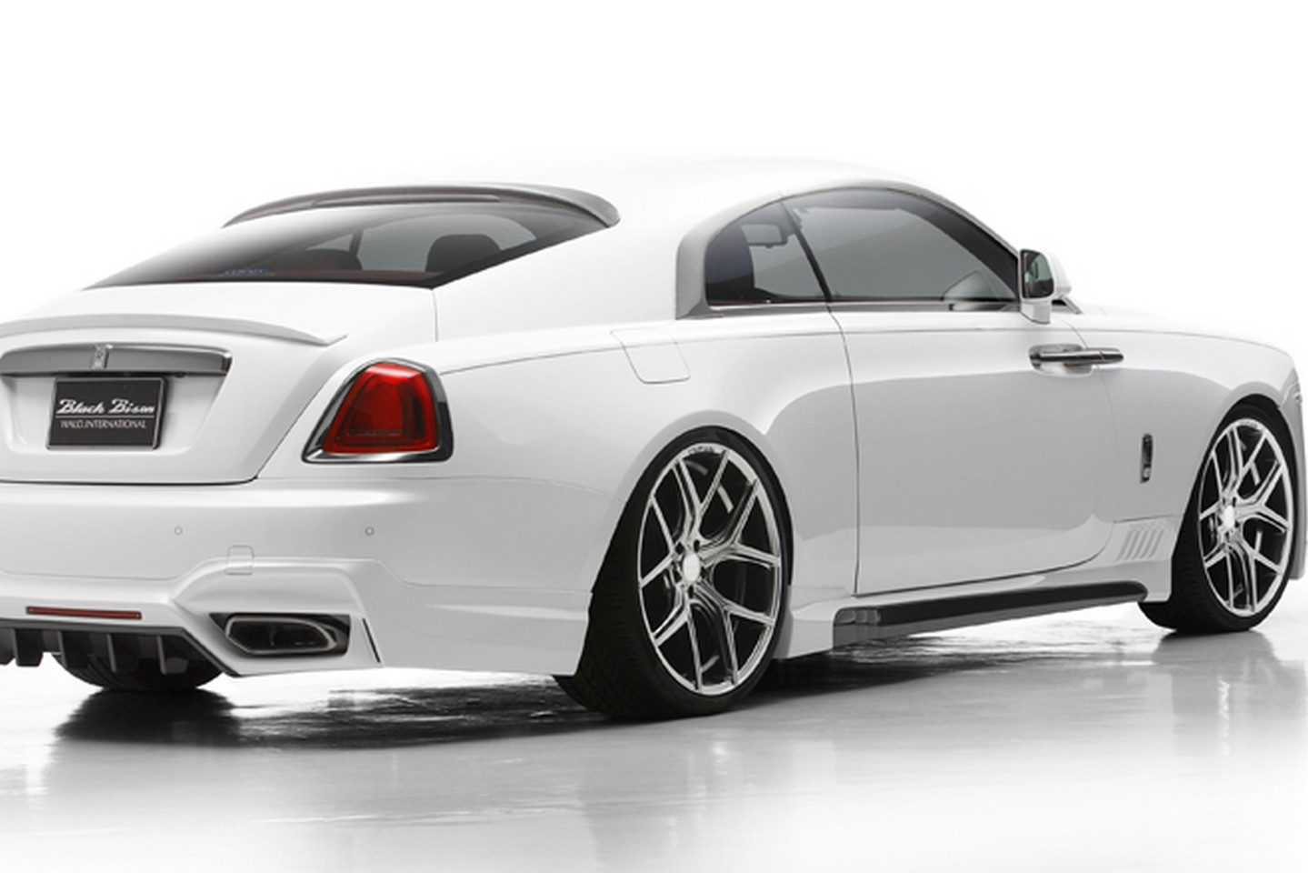 rolls royce wraith white and black. wald geeft rollsroyce wraith black bision kuur rolls royce white and r