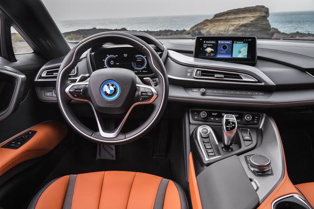 Het dak gaat eraf: BMW i8 Roadster onthuld