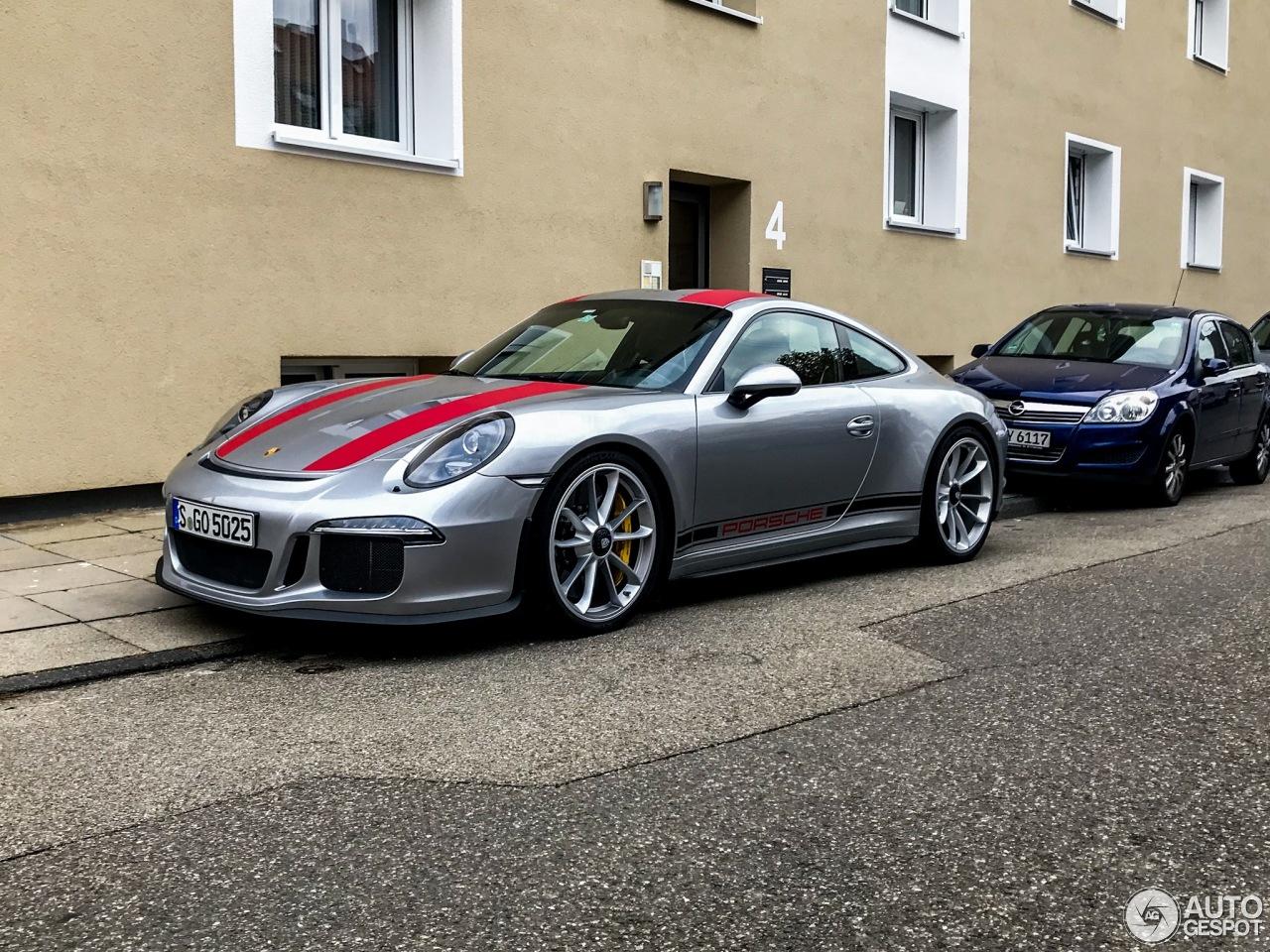 Hoe is het met de Porsche 911 R?