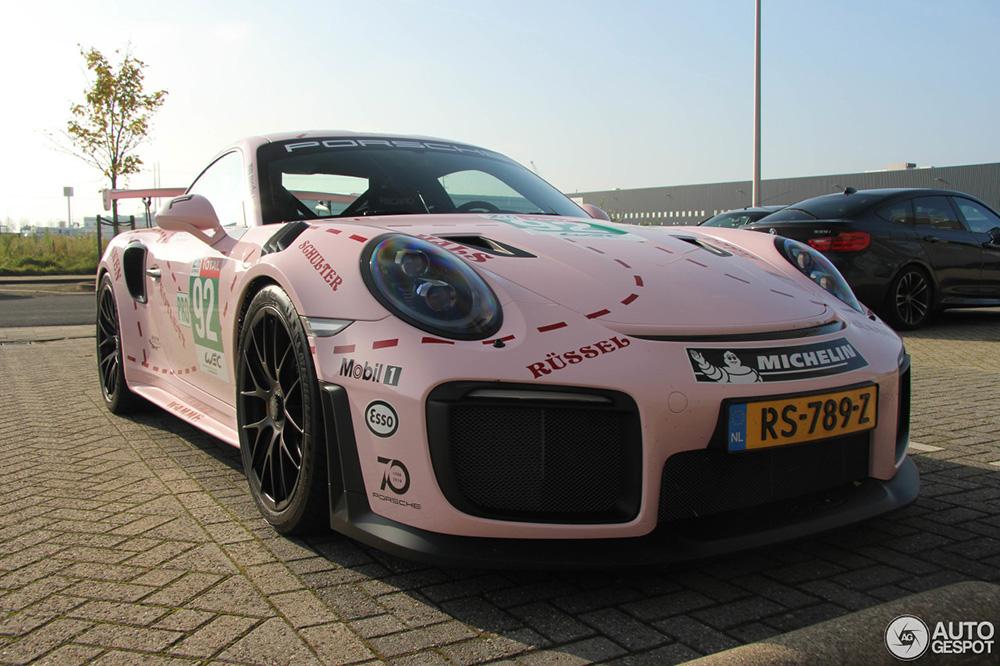Spot van de dag: Porsche 991 GT2 RS geeft ode aan Pink Pig Porsche 917
